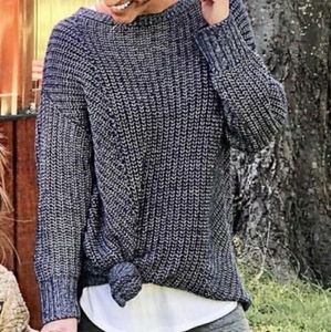 Lou & Grey small blue crew neck pullover sweater